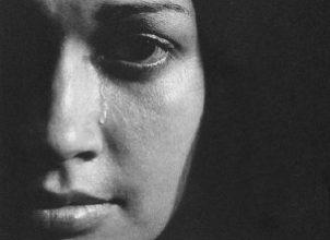Bir kadını ağlatmak….