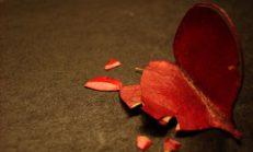 Gidişini Yüreğimde Taşıyamıyorum…