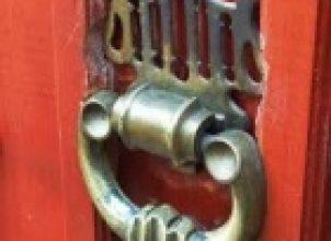 Kapı Mandalı