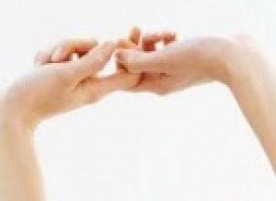 Parmakları Birbirine Geçirmek