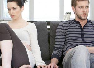 Sevgilinizin yanında asla yapmamanız gereken 5 hareket